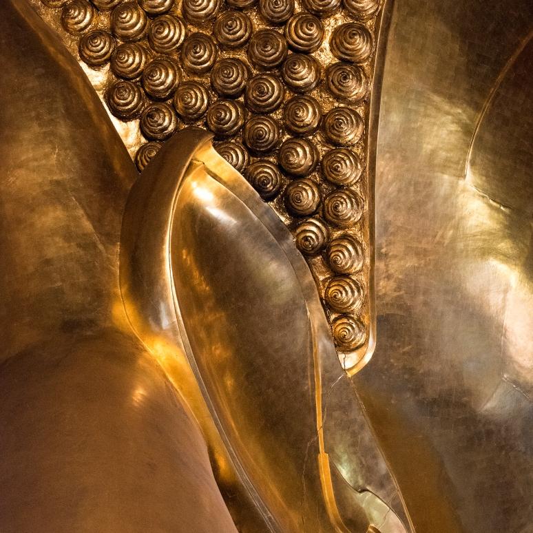 Wat Pho Reclining buddah SQ (c) Tim Peterson